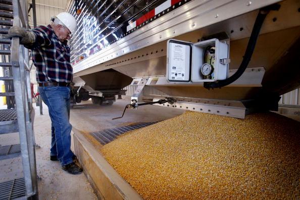 Ethanol「Illinois Plant Produces Alternate Fuel」:写真・画像(6)[壁紙.com]