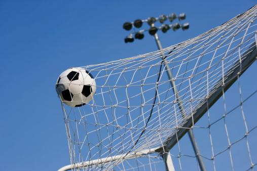 Taking a Shot - Sport「goal」:スマホ壁紙(11)