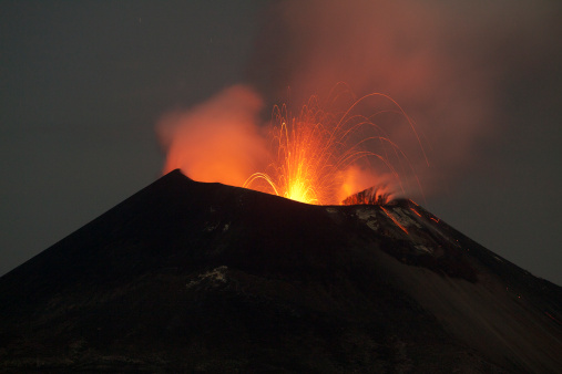 Active Volcano「Krakatoa volcano eruption, November 2011」:スマホ壁紙(11)