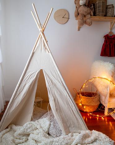 Toddler「Children tent. children's room interior」:スマホ壁紙(16)