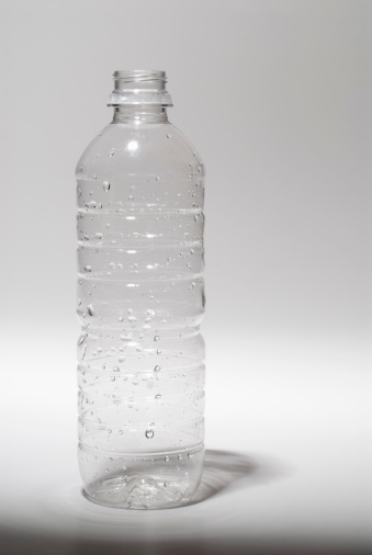Water Bottle「Empty plastic water bottle」:スマホ壁紙(13)