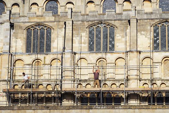 Sunny「Erecting scaffolding around Norwich Cathedral, UK」:写真・画像(9)[壁紙.com]