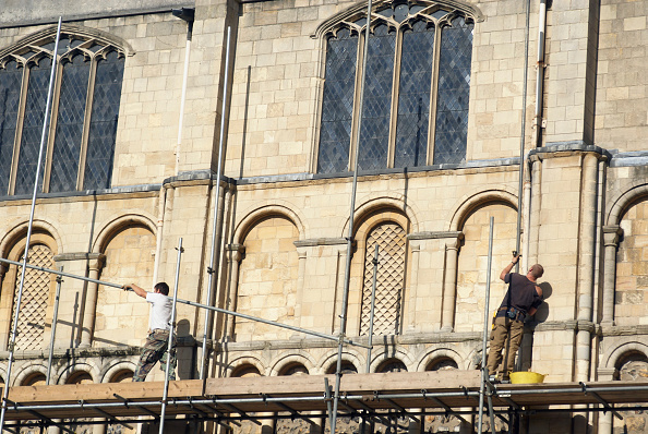 Classical Style「Erecting scaffolding around Norwich Cathedral, UK」:写真・画像(3)[壁紙.com]