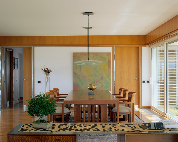 Dining Room「View of an organized dining room」:写真・画像(13)[壁紙.com]
