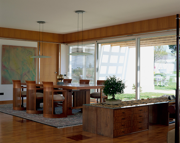 Dining Room「View of an organized dining room」:写真・画像(12)[壁紙.com]