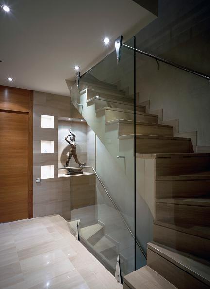 Spot Lit「View of an illuminated stairway」:写真・画像(18)[壁紙.com]