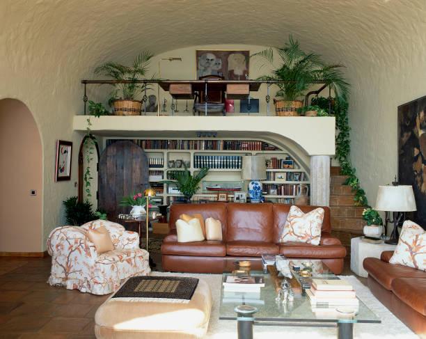 View of an elegantly furnished living room:ニュース(壁紙.com)