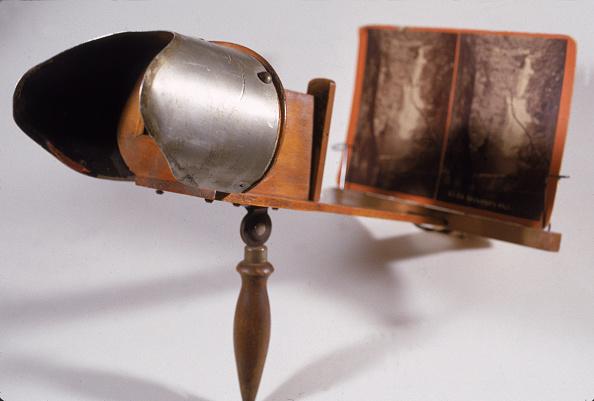 Optical Instrument「View Of A Stereoscope」:写真・画像(1)[壁紙.com]