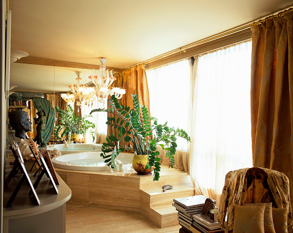 Home Decor「View of an eclectic bathroom」:写真・画像(5)[壁紙.com]