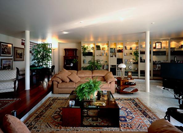 Rug「View of an opulent living room」:写真・画像(9)[壁紙.com]
