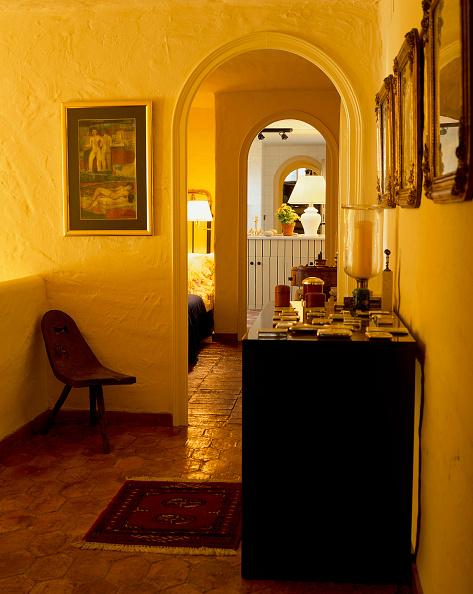 Rug「View of an illuminated hallway」:写真・画像(9)[壁紙.com]