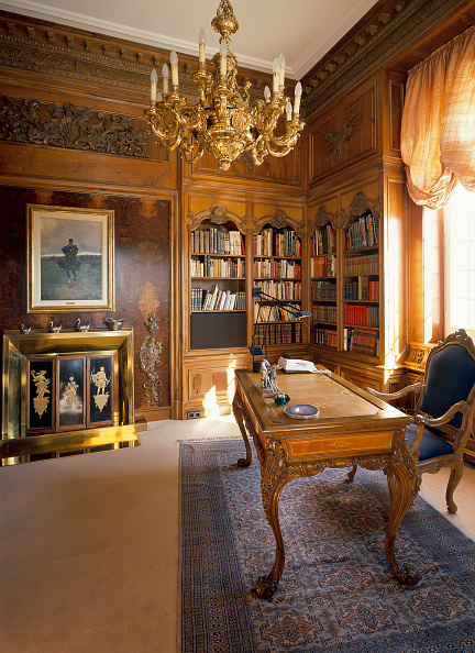 Home Office「View of an eclectic home office」:写真・画像(13)[壁紙.com]