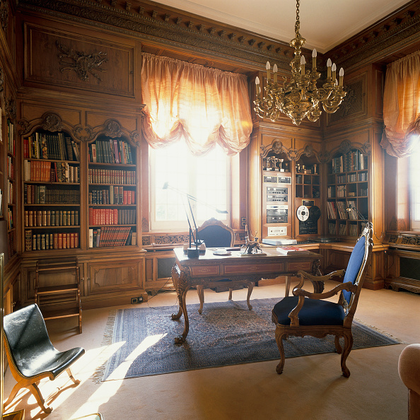 Home Office「View of an eclectic home office」:写真・画像(15)[壁紙.com]