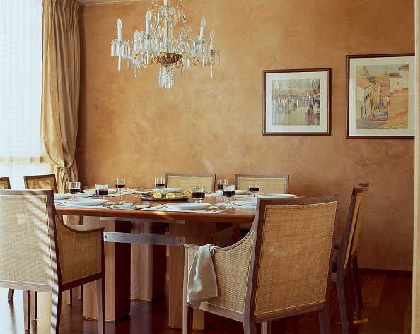 Dining Room「View of an elegant dining room」:写真・画像(19)[壁紙.com]