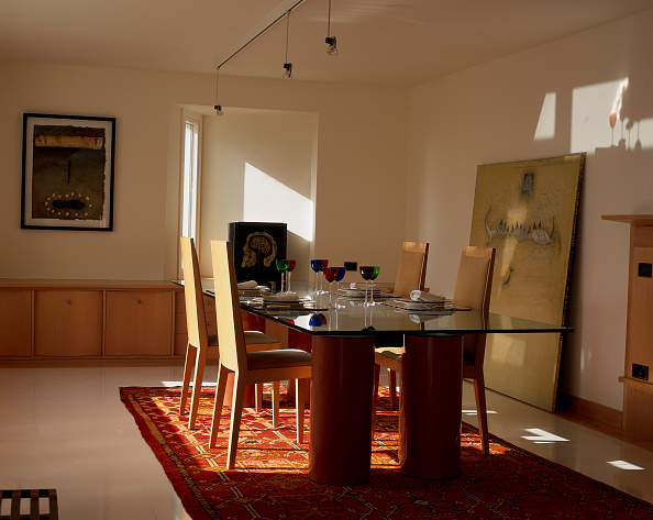 Dining Room「View of an elegant dining room」:写真・画像(10)[壁紙.com]