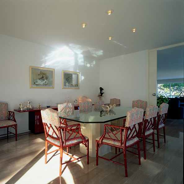 Dining Room「View of an elegant dining room」:写真・画像(11)[壁紙.com]