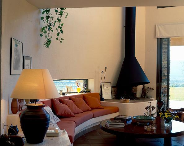Comfortable「View of an elegant living room」:写真・画像(7)[壁紙.com]