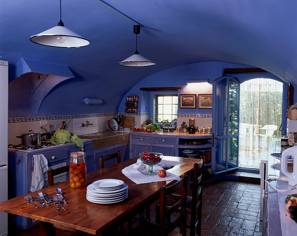 Kitchen「View of an eclectic kitchen」:写真・画像(11)[壁紙.com]