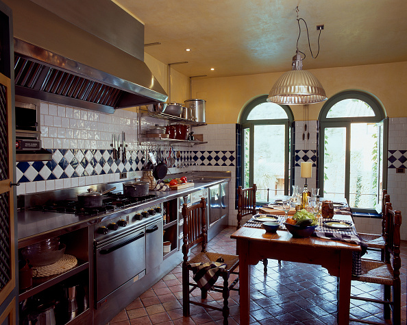 Dining Room「View of an elegant kitchen」:写真・画像(18)[壁紙.com]