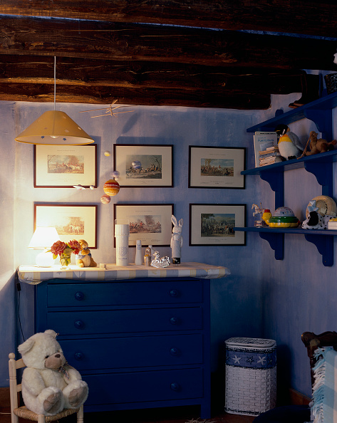 Finance and Economy「View of an illuminated childrens room」:写真・画像(4)[壁紙.com]