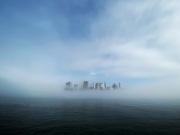 Cloud - Sky「Morning Fog Lifts Revealing Lower Manhattan」:写真・画像(5)[壁紙.com]