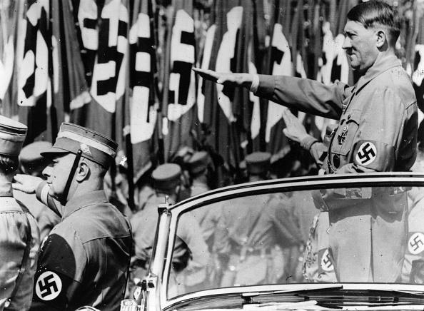 Saluting「Hitler Salutes」:写真・画像(17)[壁紙.com]