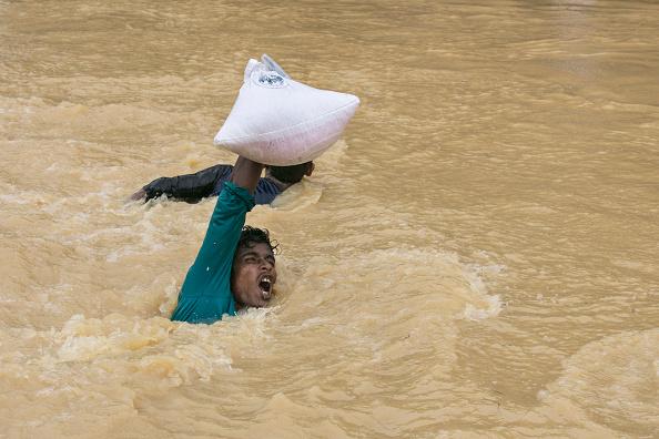 Torrential Rain「Rohingya Refugees Flood Into Bangladesh」:写真・画像(6)[壁紙.com]