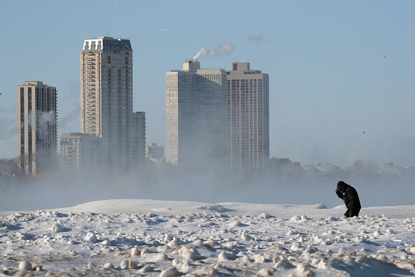 天気「Polar Vortex Brings Extreme Cold Temperatures To Chicago」:写真・画像(13)[壁紙.com]