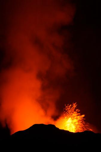 Goma「Nyamulagira volcano eruption」:スマホ壁紙(3)