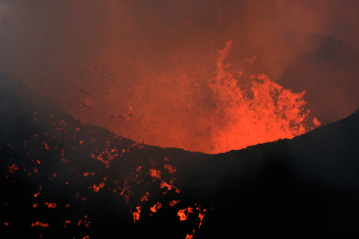 Goma「Nyamulagira volcano eruption」:スマホ壁紙(9)