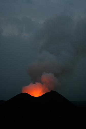 Goma「Nyamulagira volcano eruption」:スマホ壁紙(8)