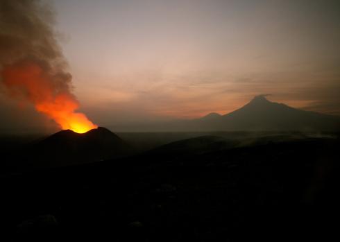 Goma「Nyamulagira volcano eruption」:スマホ壁紙(10)