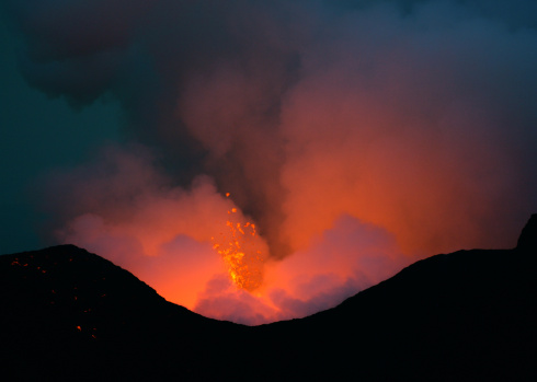 Goma「Nyamulagira volcano eruption」:スマホ壁紙(6)