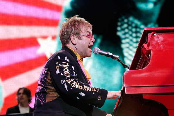Piano「Elton John Plays The O2 Arena」:写真・画像(7)[壁紙.com]