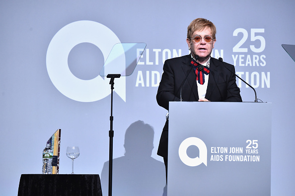 AIDS「Elton John AIDS Foundation Commemorates Its 25th Year And Honors Founder Sir Elton John During New York Fall Gala - Show」:写真・画像(19)[壁紙.com]