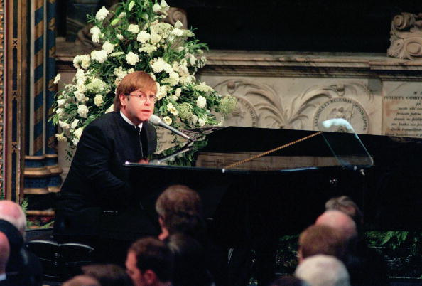 Funeral「(FILE) Singer Elton John To Turn 60」:写真・画像(9)[壁紙.com]