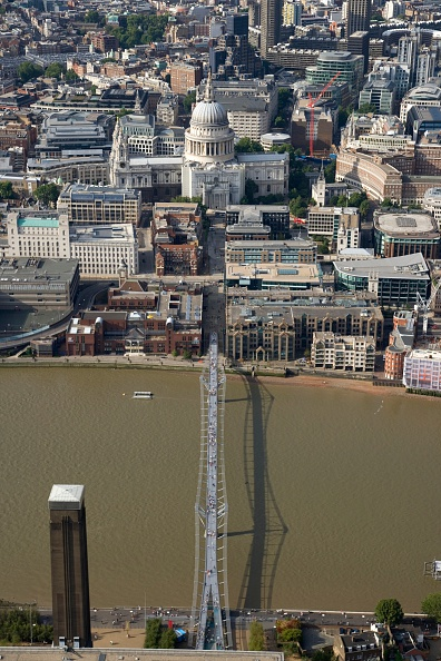 Footbridge「The Millennium Bridge, London, 2006」:写真・画像(5)[壁紙.com]