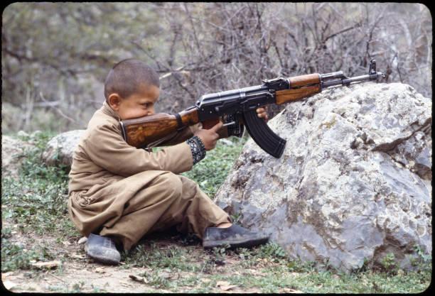 Kurdish Boy:ニュース(壁紙.com)