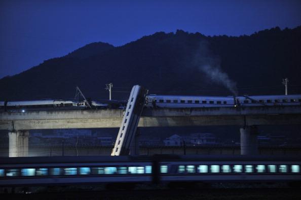 VCG「Train Derailed In East China」:写真・画像(5)[壁紙.com]