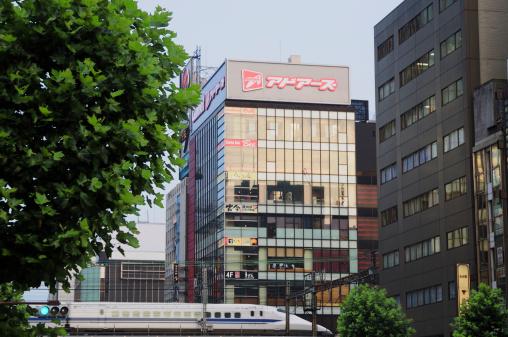 鉄道・列車「Bullet Train Passing Chiyoda Ward」:スマホ壁紙(15)
