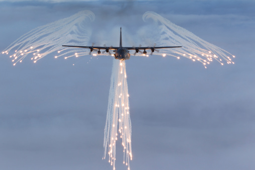 Air Attack「MC-130H Combat Talon dropping flares.」:スマホ壁紙(12)