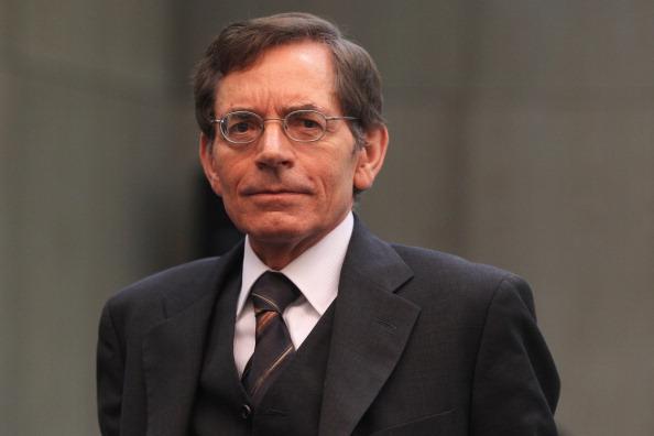 Waiting「Kachelmann Trial Continues」:写真・画像(1)[壁紙.com]