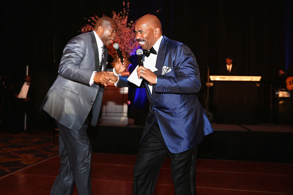 Magic Johnson「The 2014 Steve & Marjorie Harvey Foundation Gala Presented By Coca-Cola - Show」:写真・画像(19)[壁紙.com]