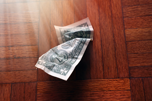 Economic fortune「old wrinkled American one dollar bill」:スマホ壁紙(4)