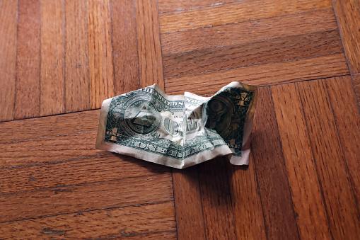 Economic fortune「old wrinkled American one dollar bill」:スマホ壁紙(12)