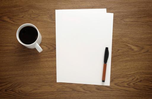 Coffee Break「Blank paper on business desk」:スマホ壁紙(8)