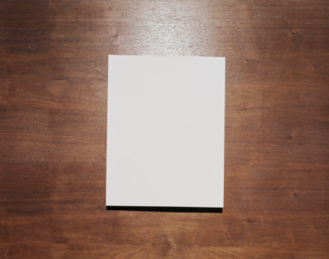 Printed Media「Blank paper on wood background」:スマホ壁紙(5)