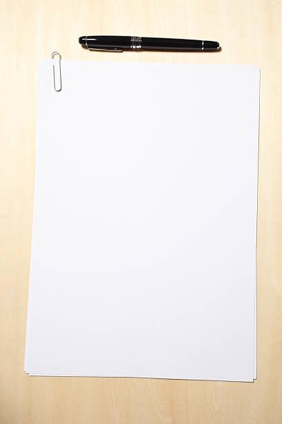 Blank Paper and Pen:スマホ壁紙(壁紙.com)
