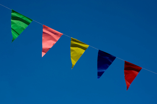 Bunting「Coloured bunting and blue sky」:スマホ壁紙(14)