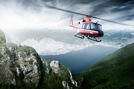 Helicopter「Helicopter flying over mountains and a lake」:スマホ壁紙(11)